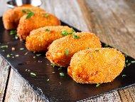 Рецепта Картофени крокети с кашкавал и млечен сос с копър и чесън